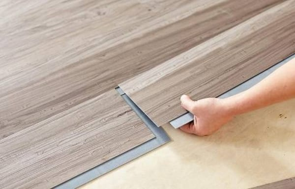 báo giá sàn nhựa dán keo, sàn nhựa giả gỗ có hèm khóa, thi công sàn nhựa có keo dán,